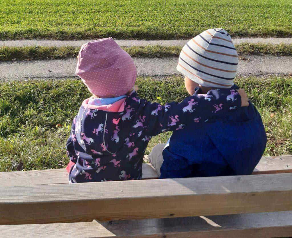 Freundschaften entstehen im Kindernest Vichtenstein.